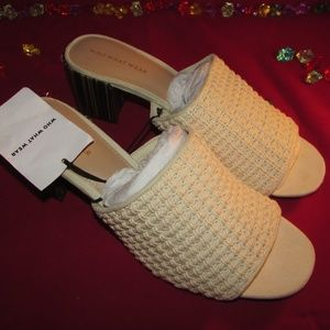NWT WHO WHAT WEAR Size 11 Open Toe Cream Sandals
